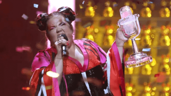 woman singing at eurovision