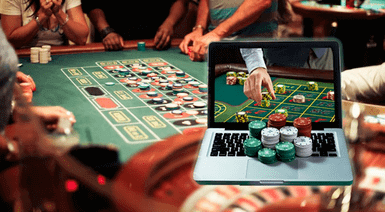 people playing roulette at online casino